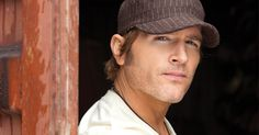 """Jerrod Niemann and Pitbull Remix """"Drink To That All Night"""" 