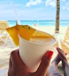 Drink calories don't count on the beach, right?!