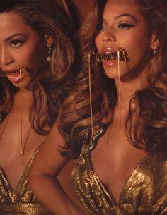 Beyonce upgrade u gold dress shoes – Woman dresses line Beyonce Et Jay Z, Estilo Beyonce, Queen Bee Beyonce, Beyonce Knowles Carter, Beyonce Style, Kali Uchis, Beyonce Pictures, Black Girl Aesthetic, Princesas Disney