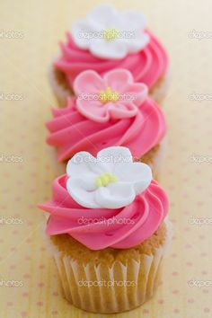 flower cupcake - Google Search