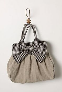 Anthropology Knock-Off Purse Sewing Tutorial - by Snips & Spice - Rita, this is really cute with the bow...