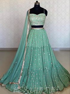 Party Wear Indian Dresses, Indian Gowns Dresses, Dress Indian Style, Wedding Dresses For Girls, Designer Bridal Lehenga, Indian Bridal Lehenga, Bollywood Outfits, Pakistani Outfits, Indian Outfits