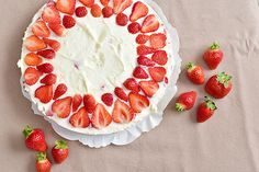 Aardbeien Mascarponetaart Jamie Oliver, Camembert Cheese, Cupcake Cakes, Cupcakes, Creme, Sweet Tooth, Cheesecake, Strawberry, Gluten