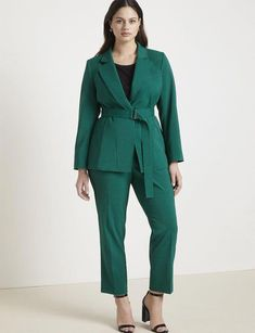 View our Jason Wu/ELOQUII Tapered Leg Trouser and shop our selection of designer women's plus size Pants, clothing and fashionable accessories. Plus Size Tips, Look Plus Size, Plus Size Coats, Plus Size Model, Jason Wu, Big Girl Fashion, Curvy Fashion, Plus Size Fashion, Ladies Fashion