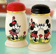 Lenox Disney Love At First Sight Salt & Pepper Shakers Mickey & Minnie Mouse Cozinha Do Mickey Mouse, Mickey Mouse Kitchen, Disney Kitchen, Casa Disney, Disney Rooms, Disney House, Mickey Minnie Mouse, Disney Mickey, Disney Fun