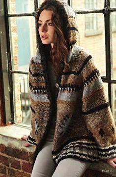 Knitting Pattern: Hooded jacket pattern and mix of materials - amicella ♥ Knitwear Fashion, Crochet Fashion, Fashion Star, Fair Isle Pattern, Pullover, Hoodie, Jacket Pattern, Knit Cardigan, Beautiful Outfits