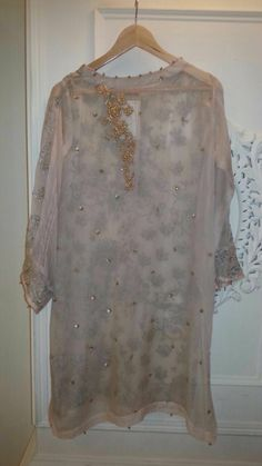 Latest Kurti Styles, Pakistani Couture, Panna Cotta, Blouses, Lace, How To Wear, Tops, Dresses, Women
