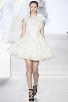 Sfilata Giambattista Valli Paris - Alta Moda Autunno-Inverno 2013-14 - Vogue