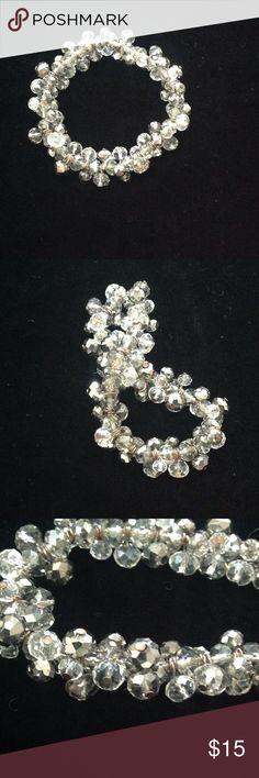 Glass bead. Necklace 7 in wide ,it's stretchy Jewelry Bracelets