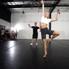 Contemporary Dance Songs, Modern Dance Moves, Cool Dance Moves, Ballet Dance Videos, Dance Tips, Dance Choreography Videos, Dance Poses, Dancer Workout, Dance Technique