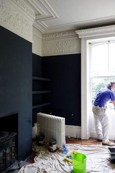 Farrow & Ball Off Black and Shadow White at the Victorian Villa Project – Home Renovation Classic Home Decor, Classic Interior, Classic House, Victorian Living Room, Victorian Homes, My Living Room, Living Spaces, Family Room Design, Floor To Ceiling Windows