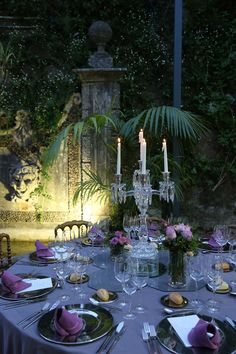 Casa dos Penedos - Wedding Venue | Palace | Fairy Tale | Sintra | Destination Wedding | Portugal | Table Setting | Table Centerpieces | Table Decoration