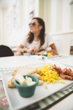 if you're hanging out for proper pancakes, delicious muffins and someone who knows what to do with bacon and eggs, just go to Bakery House on Corso Trieste.