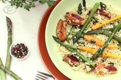 Couscous with asparagus and chicken thighs - Cuscus cu sparanghel si pulpe de pui Baby Carrots, Chicken Thighs, Couscous, Pasta Salad, Poultry, Asparagus, Green Beans, Zucchini, Main Dishes