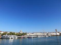 #larochelle #charentemaritime Vieux port La Rochelle 2016 ©Etpourtantelletourne.fr Week End, New York Skyline, Louvre, French, Building, Travel, Surf And Turf, Brittany, Childhood