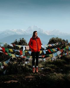 Standing on top of Poon Hill overlooking the Annapurna Range, Nepal - best things to do in Pokhara Hvar Island, Responsible Travel, Rafting, Nice View, Nepal, Travel Tips, Travel Info, Wander, Trip Advisor