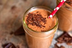 Chocolate Peanut Butter Heart Healthy Smoothie This is the smoothie dreams are made of. Packed with antioxidants, fiber, heart-healthy goodness and loaded with that amazing combo of chocolate peanut butter deliciousness. Fruit Smoothies, Smoothies Banane, Low Carb Smoothies, Weight Loss Smoothies, Fruit Salads, Keto Foods, Keto Recipes, Shake Recipes, Fall Recipes