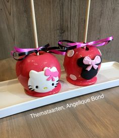 Hello kitty and minnie mouse candy apples made by angelique bond from the Netherlands