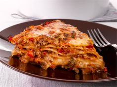 Oletko jo kokeillut, kuinka helposti lasagnetyyppinen ruoka valmistuu tortillaletuista? Tortillalasagne täyttää mahan ja vie kielen mennessään. Finnish Recipes, Cooking Recipes, Healthy Recipes, Croissants, Mozzarella, Pork, Meat, Dinner, Ethnic Recipes