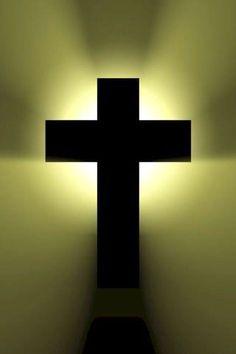 En la Cruz esta la vida y el consuelo. Ella es el camino para  el cielo. Santa Teresa
