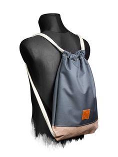 M13 Online Shop Gooze Wood Sports Bag -  One Size fits All / Sonderanfertigung auf Anfrage 100% Echt-Leder Veredelung(Badge) Maße: ca. 48x35x3cm reißfeste / strapazierfähige Baumwollkordeln mit Polyestersehne im Kern passende Kopfhörer Öse(Messing) im Rücken 10mm Baumwollkordeln (Extra Weich) für angenehmen Tragekomfort Backpack Bags, Drawstring Backpack, Tote Bag, Sport Hair, String Bag, Clutch, New Life, Gym Bag, Sewing Crafts