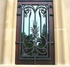 Resultado de imagen para fotos de rejas en colombia Portal, Wrought Iron Gates, Painted Doors, Blacksmithing, Windows And Doors, Candle Sconces, Metal Working, Entrance, Wall Lights
