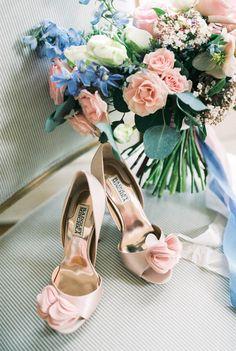 Rose quartz and serenity wedding inspiration | Wedding