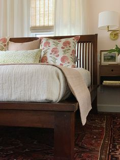 Trim Design Co. | In this blog and with our video, learn how to make your bed like a pro. We'll show you step-by-step how to style your bed so it's magazine ready.