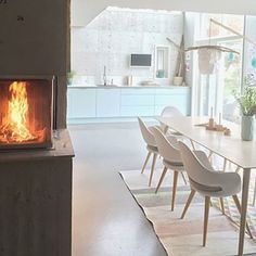 ▫️LOVE TO HAVE A FIREPLACE IN THE KITCHEN▫️ Credit: @ann_ingrid✨ #nordicminimalism for repost
