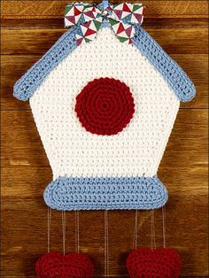Birdhouse (Could be made for use as hot pad) FreePatterns.com