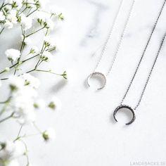 Styling by landebacks showing Honeycomb tusk Necklace Silver and Honeycomb tusk Necklace Grey Rhodium #jewellery #Jewelry #bangles #amulet #dogtag #medallion #choker #charms #Pendant #Earring #EarringBackPeace #EarJacket #EarSticks #Necklace #Earcuff #Bracelet #Minimal #minimalistic #ContemporaryJewellery #zirkonia #Gemstone #JewelleryStone #JewelleryDesign #CreativeJewellery #OxidizedJewellery #gold #silver #rosegold #hoops #armcuff #jewls #jewelleryInspiration #JewelleryInspo #accesories…