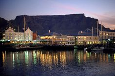 A travel guide to Cape Town South Africa. Read our travel tips and find out about Capetown tourist attractions, what to do and see when in Cape Town South Africa. Livingstone, Pretoria, Oh The Places You'll Go, Places To Visit, Table Mountain Cape Town, Mountains At Night, Chobe National Park, V&a Waterfront, Queens