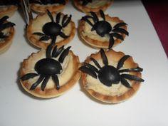 Canapés de Halloween: Tartaletas de humus