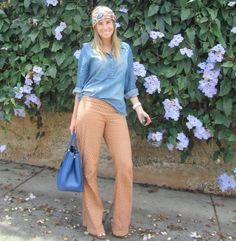 Bárbara vestindo calça laise caramelo <3 #laise #jeans #look #scarf #prada #bag #blue #girl