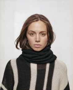 Eliza Dushku. And her FACE in a really low-key photoshoot that I find fabulous.