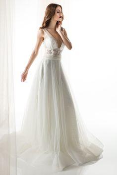 #JIOULI_Bridal  2019 s/s Collection #bridal #bridal_wear #marriage #bride #wedding #wedding_dress www.Jiouli.com Bridal Collection, One Shoulder Wedding Dress, Marriage, Bride, Boho, Wedding Dresses, Fashion, Rosa Clara, Perfect Boyfriend