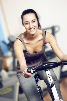 Fat Blasting Spin Workout - get trim with this HIIT (interval training) workout. #intervaltraining #SkinnyMsFitness