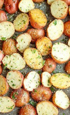 Garlic Parmesan Roasted Potatoes Recipe