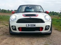 Red brake ducts on Factory John Cooper Works
