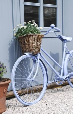 "bike ""Bicycles should never die - just live on in beautiful semi-retirement"" Thanks to Lyudmila for sharing this pin MAKETRAX.net - Bicycles and FLOWERS"
