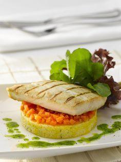 Prepara una Reineta a la plancha con polenta y zanahorias glaseadas y disfrutade un plato fantástico para compartir en familia.