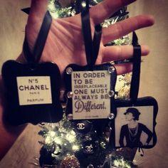 Easy Chanel ornaments DIY