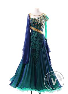 Ballroom dress - Women's Dresses for Sale Pretty Outfits, Pretty Dresses, Beautiful Outfits, Mode Outfits, Dance Outfits, Dance Fashion, Fashion Dresses, Ankara Fashion, Fantasy Gowns
