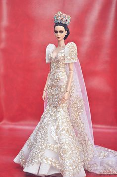 Shawnah, who won IFRJSD a couple of years ago, is now a blooming lady. Spreading her wings to new endeavors and gearing her way to pageantry. Modern Filipiniana Gown, Filipiniana Wedding, Wedding Gowns, Barbie Gowns, Barbie Dress, Barbie Clothes, Barbie Bridal, Barbie Wedding, Fashion Royalty Dolls