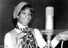 Donna Summer *-Singer, Pop Music, Disco, USAsinging at the microphone- 1966 Dance Music, Pop Music, Musica Disco, Donna Summers, Divas, Lady, Queen, Singers, San Francisco