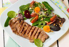 Sommersalat mit Beiried  » Kochrezepte von Kochen & Küche Harissa, Meat, Food, Grilled Skirt Steak, Flat Bread, Cold Food, Treats, Essen, Meals