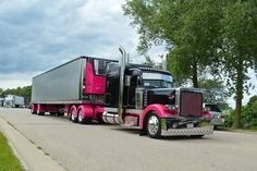 Owner-operator Josh Van Wagoner of Auburn, Ill., says he's given his 1998 379 Peterbilt rig four makeovers. The Pete used to be black cherry and teal, but for Peterbilt 379, Peterbilt Trucks, Show Trucks, Big Rig Trucks, Custom Big Rigs, Custom Trucks, Midnight Express, Heavy Construction Equipment, Detroit Diesel