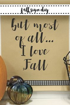Make this beautiful fall kraft paper scroll sign with the FREE SVG from Everyday Party Magazine. #FreeSVG #Thanksgiving #ThanksgivingSVG #DIY