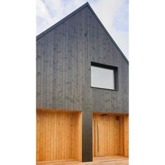 Nasze #drzwizewnętrzne Frax robione na  zamówienie dla mazurskiego miejsca wypoczynku @punkt_mazury Do nowoczesnych minimalistycznych stodół z duszą jak znalazł. Zapraszamy. Projekt całości @jamkolektyw @koziej_architekci . . . . . #doors #kerno #drzwiwejściowe #loft #minimal #red #czerwony #kamienica #design #bialystok #dobrydesign #architektura #arch #interiordesign #archit #olddoors #doorsofinstagram #drewno #warszawa #dom #retro #label #cabinet #stodoła #barn #modernbarn #drzwi Shed, Outdoor Structures, Instagram, Dots, Barns, Sheds