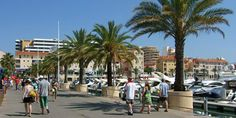 People enjoying a sunny afternoon at Vilamoura Marina